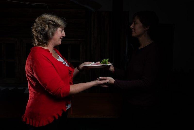 Bon cadeau pour un repas dans le noir au Café des Mines