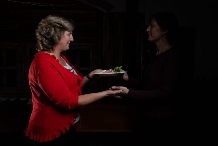 """Geschenkgutschein für ein """"Dinner in the Dark"""" im Café des Mines"""