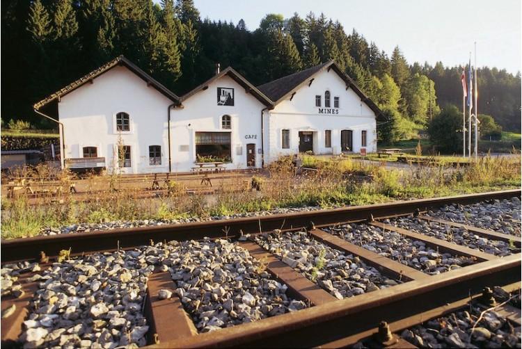 Geschenkgutschein für einen Besuch der Asphaltminen im Val-de-Travers